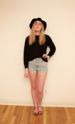 Sweater : Ralph Lauren Denim & Supply; Shorts : American Apparel; Hat : H&M; Shoes : Vince Camuto